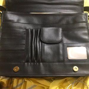 Lord & Taylor Bags - Lord & Taylor messenger bag